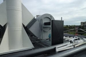 H-Series centrifugal fans installed on a roof – Deep vane forward curved industrial fan recommended for medium to heavy duty applications