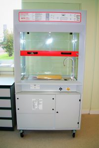 School mobile fume cupboard SSR 2000 easy to manoeuvre